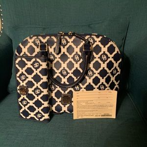 Dooney & Bourke handbag set used once.